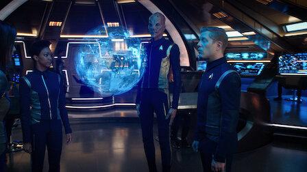 觀賞內外交戰。第 1 季第 14 集。